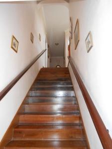 Escada que leva para os quartos