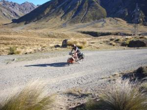 Cycle_tourist_Island_Saddle_New_Zealand